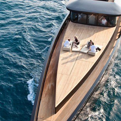 Blade Yacht Foredeck