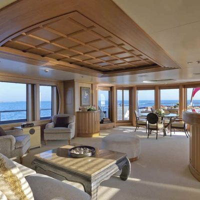 Deja Too Yacht Skylounge