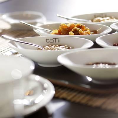 taTii Yacht Breakfast