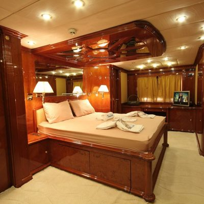 Dream Yacht Yacht