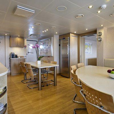 Dapple Yacht