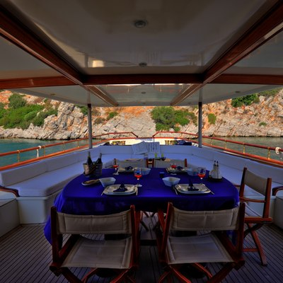 Silver Cloud Yacht Exterior Dining