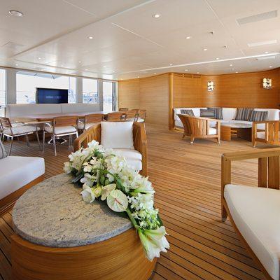 Seanna Yacht Indoor Seating Area