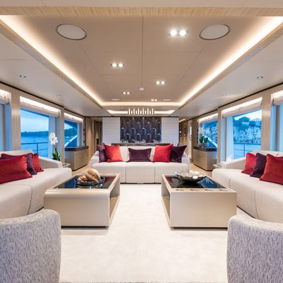 Mia Yacht