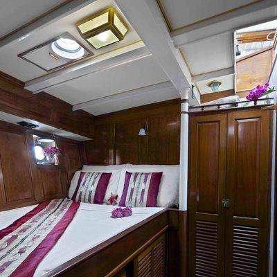 Sunshine Yacht