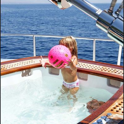 Parsifal III Yacht Jacuzzi in use