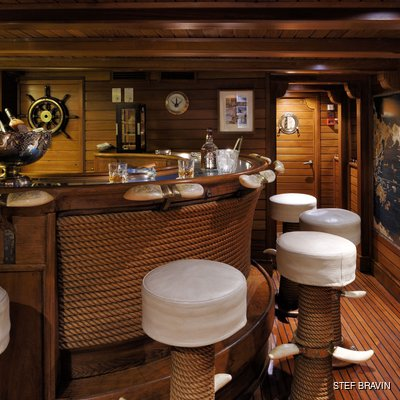 Christina O Yacht The Bar