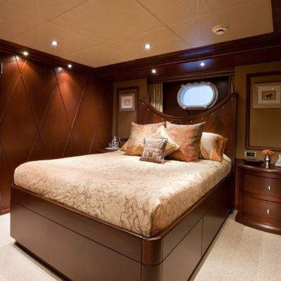 Lagniappe Yacht Queen Guest Stateroom