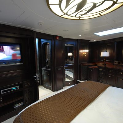 Gweilo Yacht Master Stateroom from Raised Area