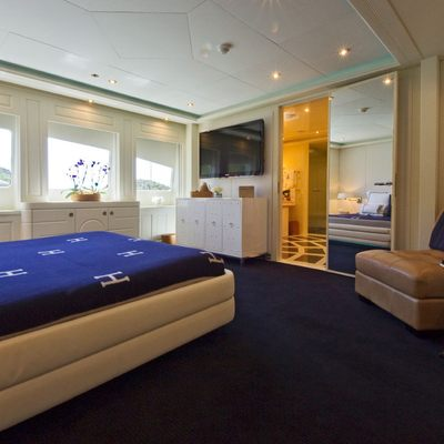Diamond Yacht VIP Suite