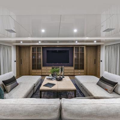Liquid Sky Yacht Sky Lounge
