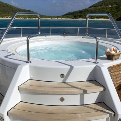 Harle Jacuzzi Stairs