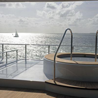 Icon Yacht Jacuzzi