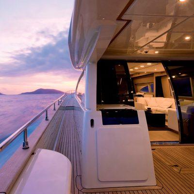 Selfie Yacht