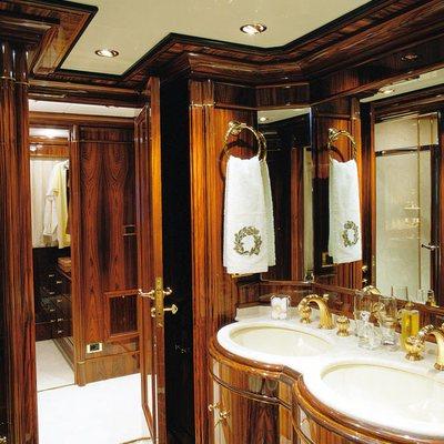Jaan Yacht Master Bathroom