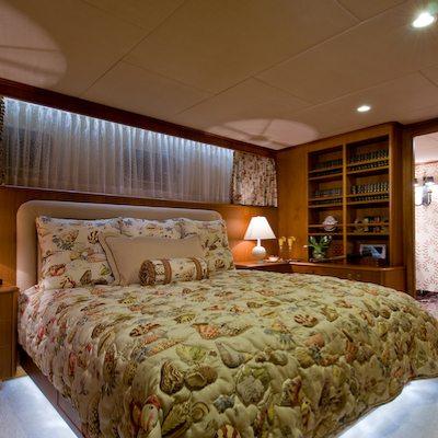 Sea Falcon II Yacht VIP Stateroom