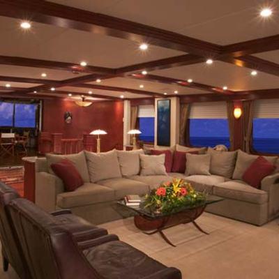 Stargazer Yacht Lounge