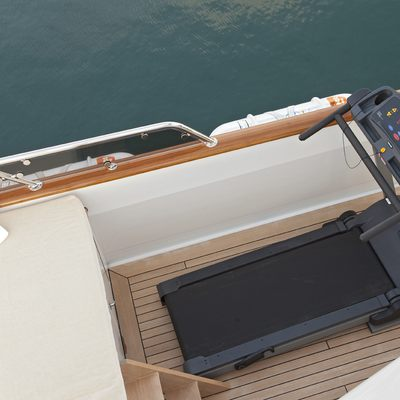 Legend Yacht Sundeck - Gym Equipment