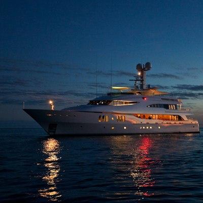 Diamond Yacht Sunset - Lights