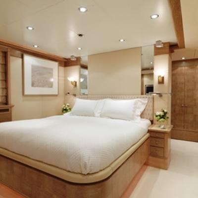 Balaju Yacht White Guest Stateroom