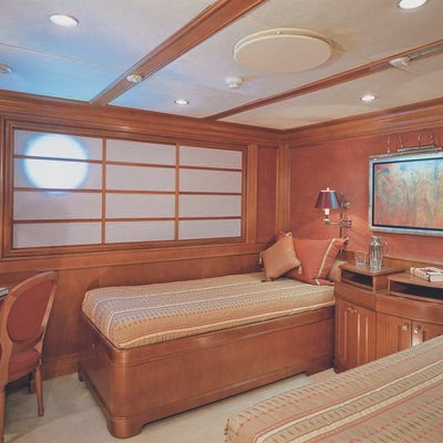Lou Spirit Yacht Twin Stateroom