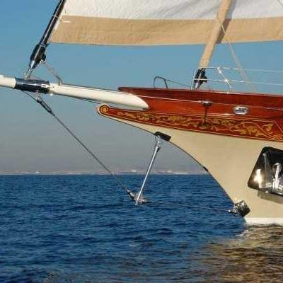 Zelda Yacht Bow