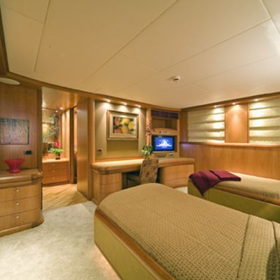 Solaia Yacht Twin Stateroom - Side View