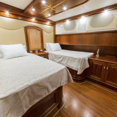 Halcon Del Mar Yacht