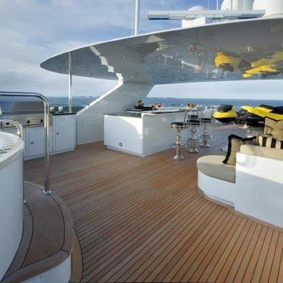 Top Five Yacht Jacuzzi & Bar