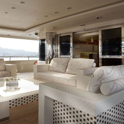 Light Holic Yacht Main Aft Deck