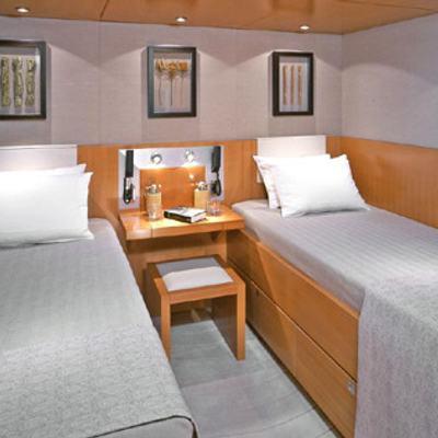 Mumu Yacht Twin Stateroom