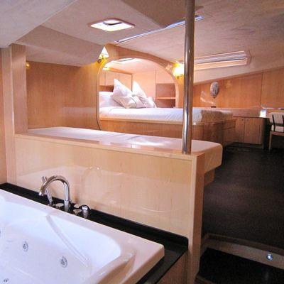 Cattitude Yacht