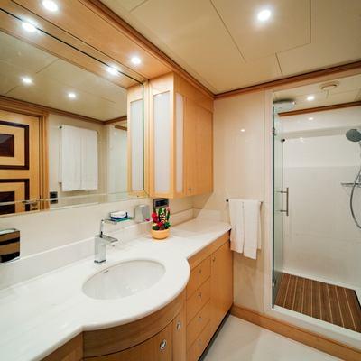 Golden Horn Yacht Portside Bathroom