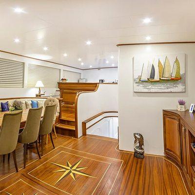 Bella Mare Yacht