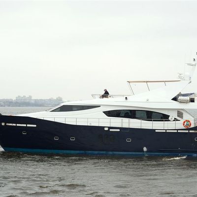 Fantom Yacht
