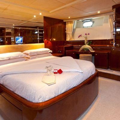 Happy Spirit Yacht VIP cabin