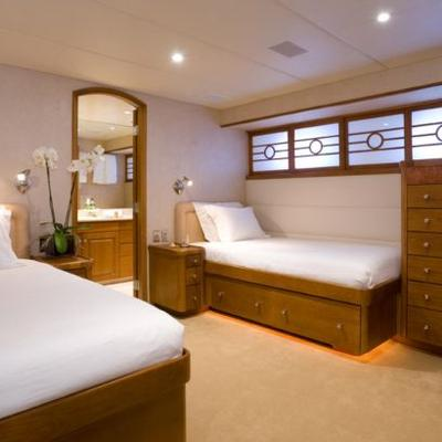 Daydream Yacht Twin Stateroom