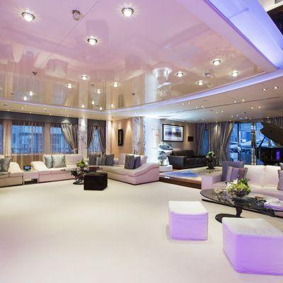 Moonlight II Yacht Main Saloon