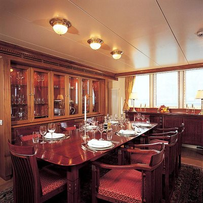 Elsa yacht photos scheepswerf peter sijperda yacht for Q station dining room