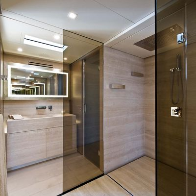 Bliss Easy Yacht Bathroom