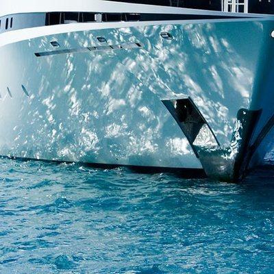 Elegant 007 Yacht Bow