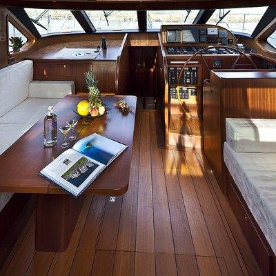 MYOSOTIS Yacht