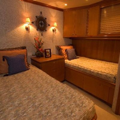 Murphy's Law Yacht Twin Stateroom