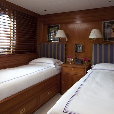 Luna Yacht Blue Twin Stateroom