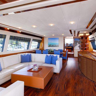Dee Dee Lee Yacht
