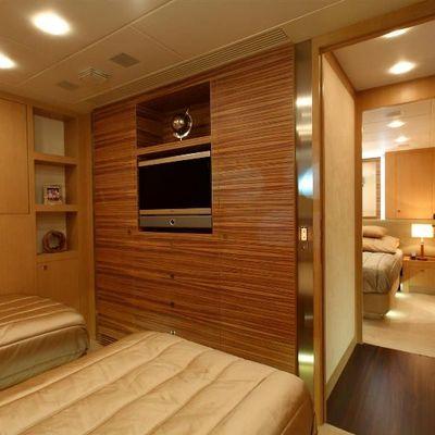 Espresso Yacht Twin Stateroom