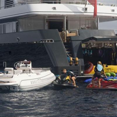 Cyan Yacht Water Toys
