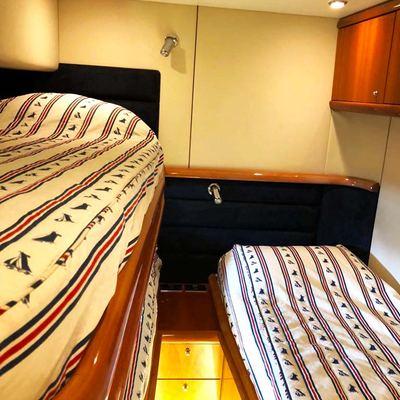 Java Yacht
