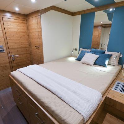Anini Yacht