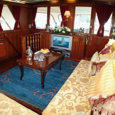 Shangri - La Yacht